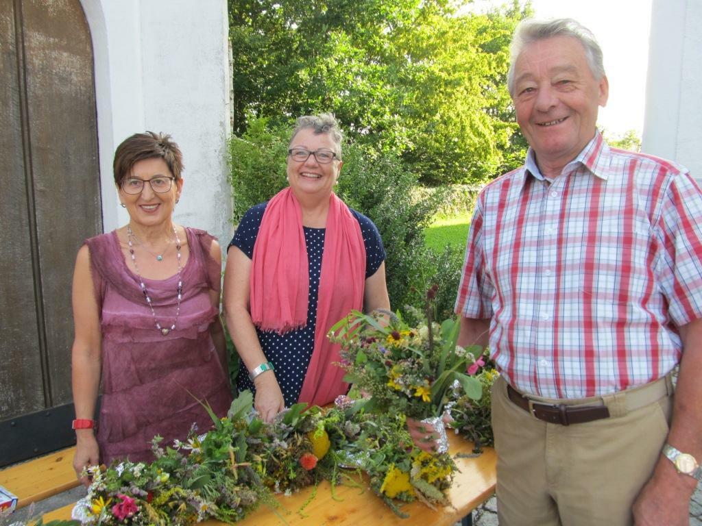 Kräuterbuschen vom Frauenbund an Maria Himmelfahrt 2016