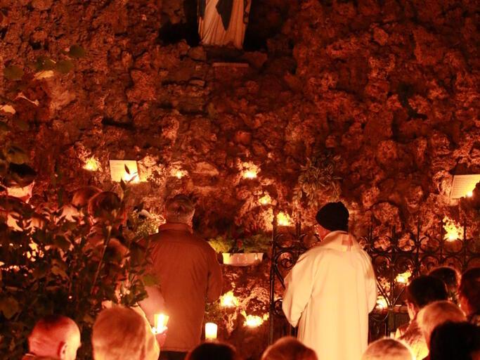 Lichterprozession zur Lourdesgrotte Oktober 2015