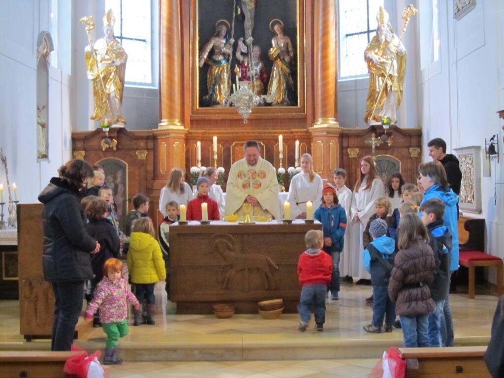 """""""...lasst die Kinder zu mir kommen"""" Familiengottesdienst am Christkönigssonntag 2014"""