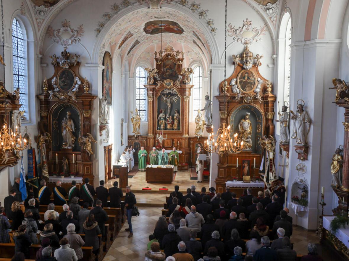 Pontifikalamt in der Pfarrkirche