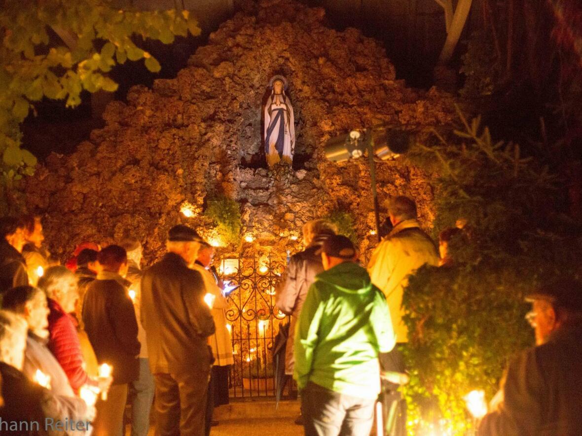 Lichterprozession zur Lourdesgrotte am 8. Oktober 2017