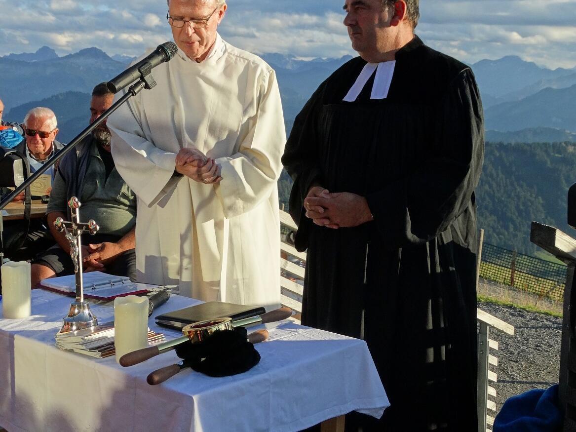 Pfarrer Frank Wagner und Pastoralreferent Josef Hofmann feiern den ökum. Hochgratgottesdienst