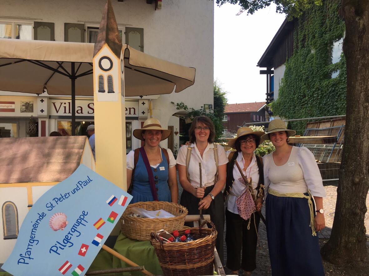 """Auch die katholische Pfarrgemeinde war beim großen Festumzug """"1150 Jahre Oberstaufen"""" am 5. August vertreten"""