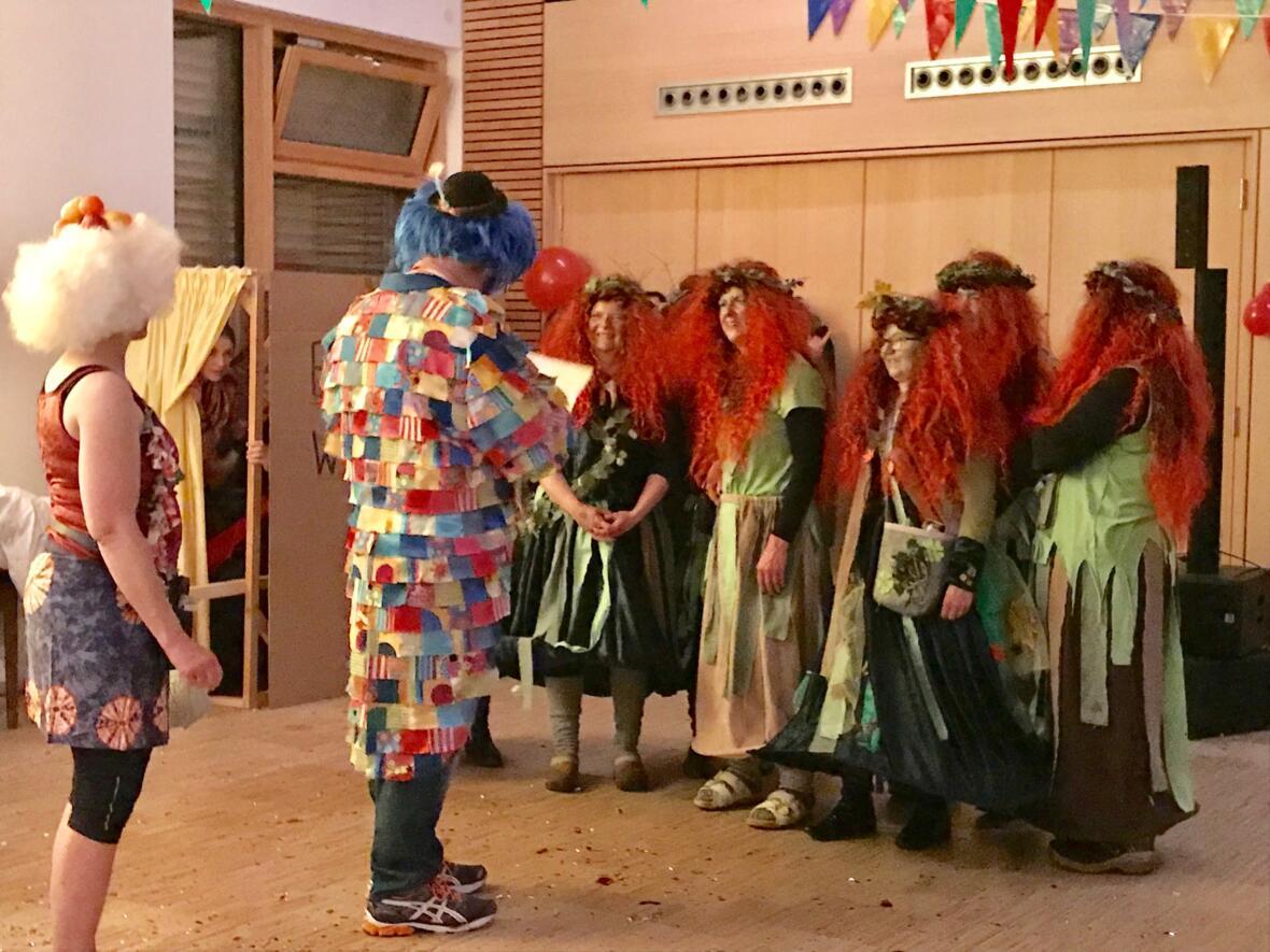 Kostümprämierung Platz 3 ging an die Steibinger Hexen