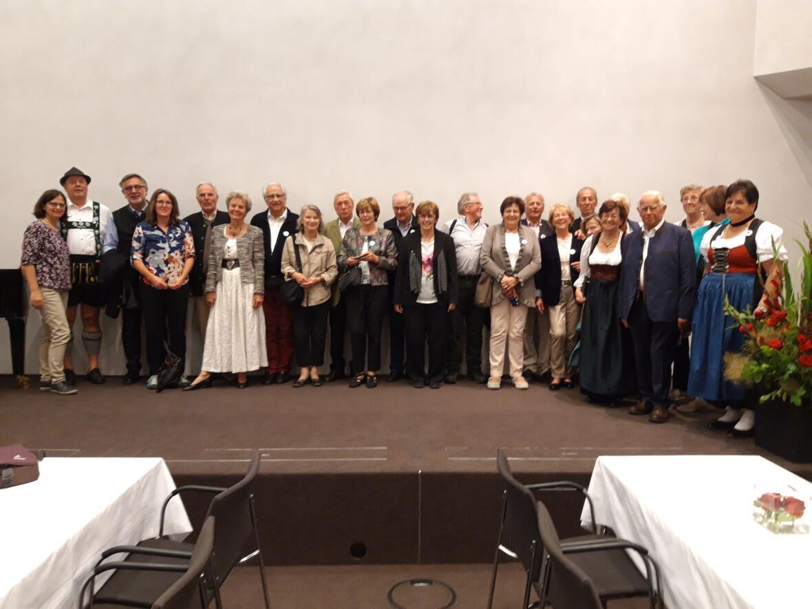 Tag der Ehejubiläen in Augsburg. Gemeinsames Mittagessen und Festgottesdienst in der Basilia St. Ulrich und Afra. Segnung der Paare