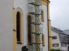 Gerüstturm außen als Zugang zum Dachboden 13.Mai 2020