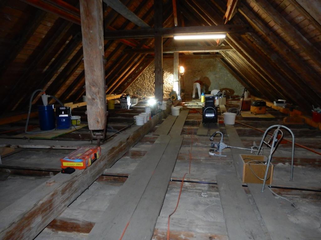 Arbeitsplatz Dachboden über Mittelschiff Pfarrkirche