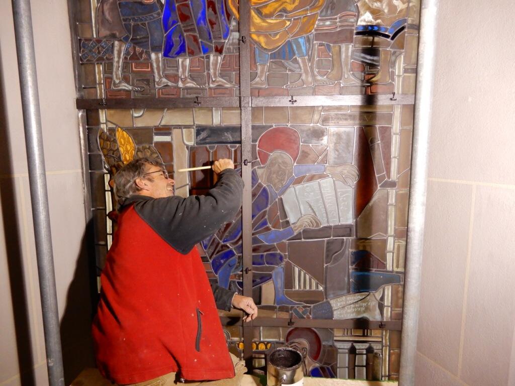 _046 Streichen der Fensterdeckleisten