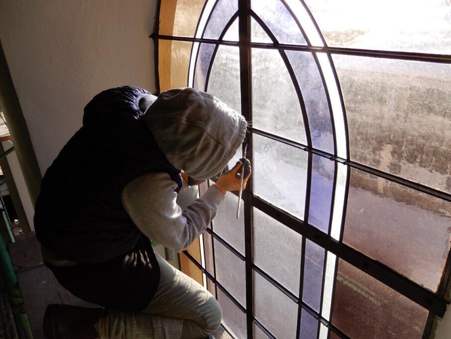 _069 Streichen der Fenstersprossen nach Fensterreparatur 11.01.21
