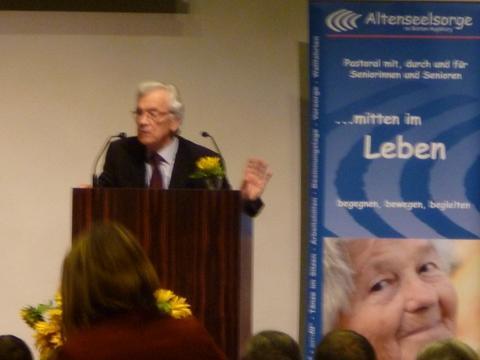 Vortrag von Prof. Leo Karrer (CH) - Älterwerden ist auch Werden!