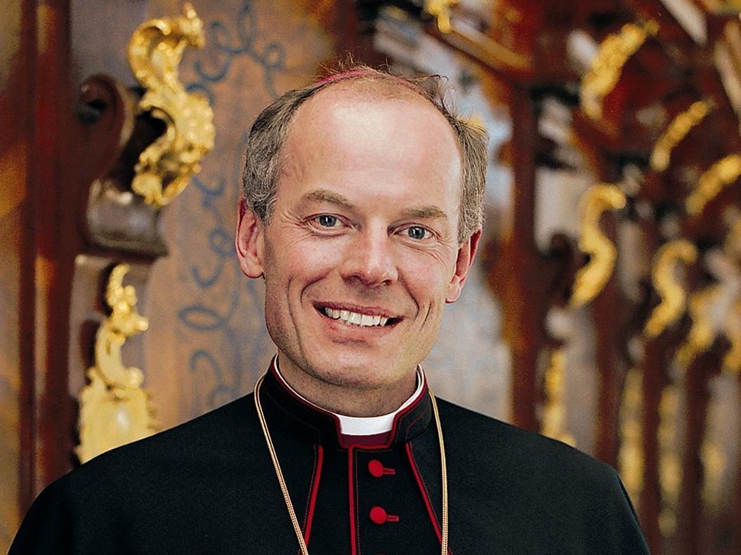 2000: Das erste offizielle Porträt als Weihbischof (Foto: Archiv)