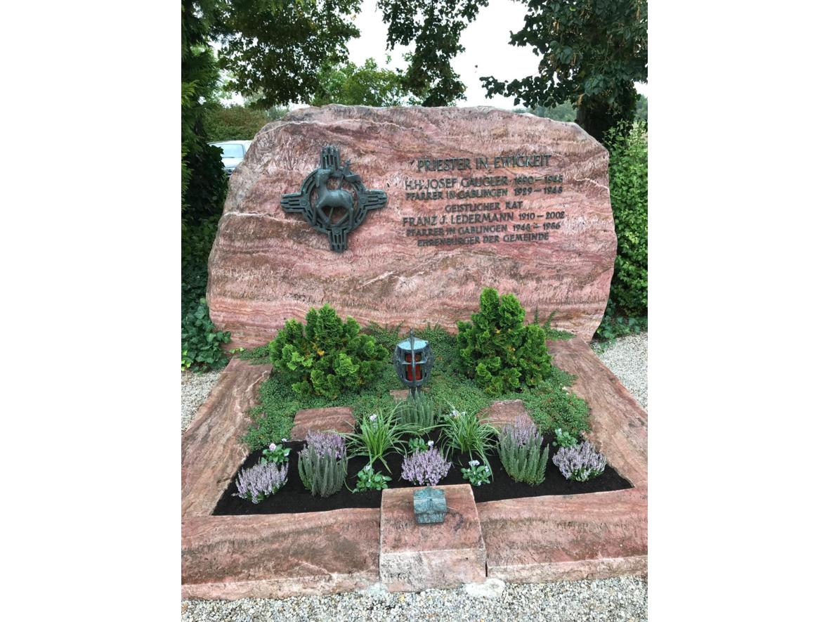 Pfarrergrab Friedhof Gablingen