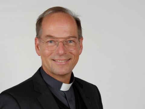 Pfarrer Dr. Christian Hartl (Foto: Lisa Bahnmüller)