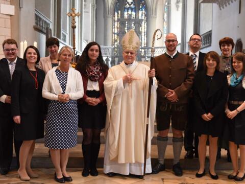 01_Gruppenbild mit Bischof