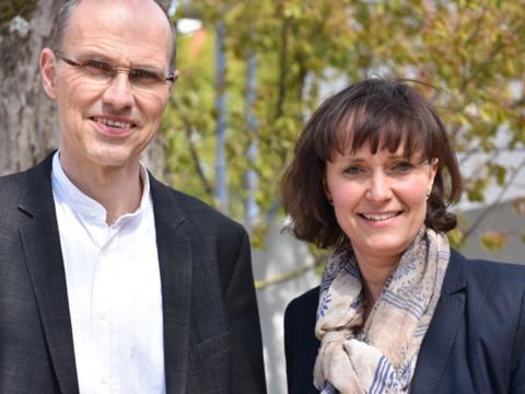 Verwaltungsleiterin Tanja Strobel unterstützt Dekan Markus Mattes in Verwaltungs- und Personalaufgaben der Pfarreiengemeinschaft. (Foto: Maria Steber/pba)