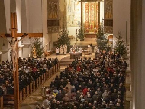 über 450 Sänger/innen aus den Dekanaten Memmingen und Mindelheim in Memmingen St. Josef