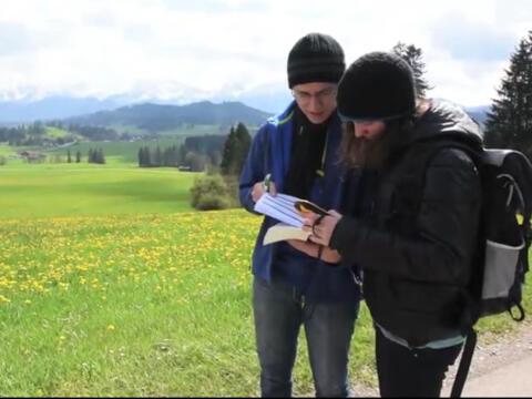 moderne Schnitzeljagd mit GPS-Geräten und spirituellen Impulsen (Grafik: YouTube)