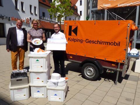 Das Mobil kann mit Geschirr für 700 Personen ausgestattet werden. (Foto: Kolping)