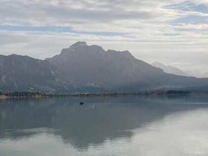 Der Forggensee bei Füssen (Foto: Karl-Georg Michel)