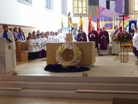 Mit einem Festgottesdienst in der Nördlinger St. Salvatorkirche wurde die Misereor-Fastenaktion für die Diözese Augsburg eröffnet. Foto: Anton Stegmair, Abteilung Weltkirche