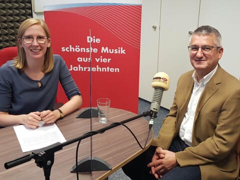 """Beim """"Cappuccino-Radio"""" ist am kommenden Sonntag Anton Stegmair, bischöflicher Beauftragter für weltkirchliche Aufgaben, zu Gast. (Foto: Radio Augsburg)"""