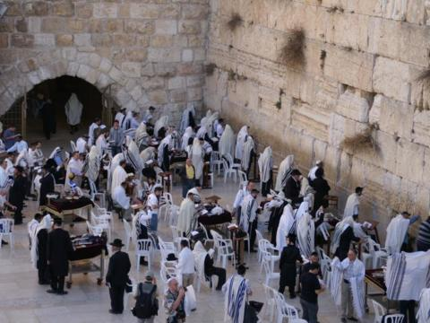 Die Klagemauer in Jerusalem Bild: Horst Schaub_pfarrbriefservice