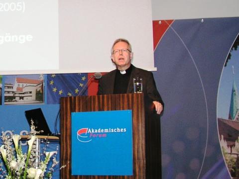 EIN PAPST ZUM NACHDENKEN – Benedikt XVI. theologisch verstehen