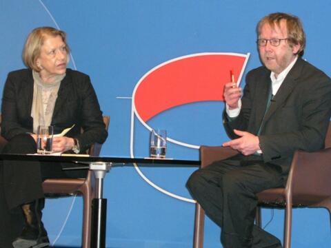 Prof. Dr. Anton Bucher und Frau Renate Schweizer, Leiterin Referat Bildung und Entwicklung Caritasverband Augsburg