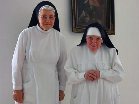 """Die Dominikanerinnen Sr. Johanna und Sr. Martina zu Gast bei """"Cappuccino"""" (Foto: Radio Augsburg)"""