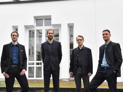 Die Kandidaten für die Diakonenweihe 2020 (v.l.): Michael Schmid, Roland Weber, Jürgen Massinger und Stefan Riedel (Foto: Daniel Jäckel / pba)