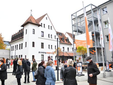 "Die ""Kolping-City"" im Herzen Augsburgs wurde heute eingeweiht (Foto: Julian Schmidt / pba)"