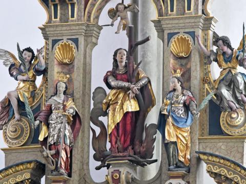 Die zentrale Heiligenfigur am Afraaltar der Ulrichsbasilika in Augsburg (Foto: Romana Kröling / pba)