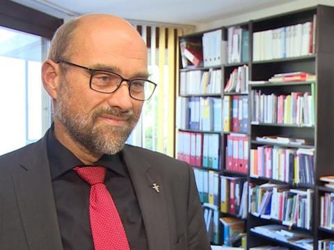 Demenz als Herausforderung in der Altenseelsorge: Interview mit Diakon Robert Ischwang