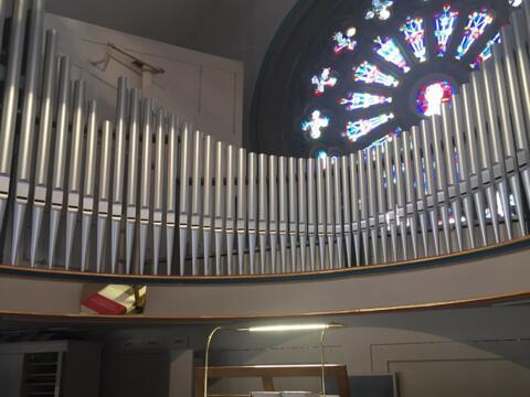 Orgel mit Fenster