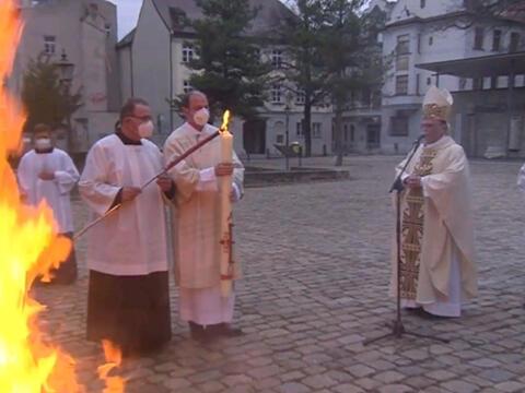 Osterfeuer bei der Osternacht