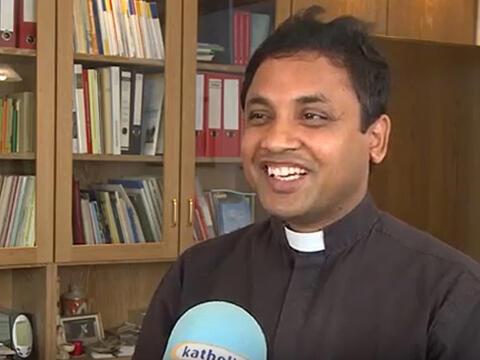 Pfarrer Francis Assisi Sebamalai aus Sri Lanka kommt heuer zum dritten Mal als Urlaubsvertretung zu uns ins Bistum. (Foto: katholisch1.tv)