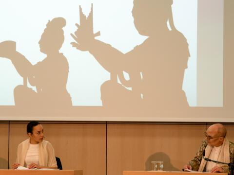 Bei einer Theaterlesung wurden die Gäste des Aschermittwochs der Künstler in die Welt von Bertolt Brechts experimentellem Theater geführt. (Fotos: Barbara Löll / pba)
