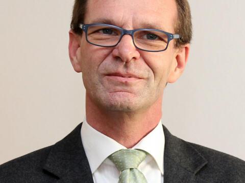 """Bischöflicher Hilfsfonds """"Pro Vita"""" – Interview mit Dietmar Bauer - Benefizkonzert"""