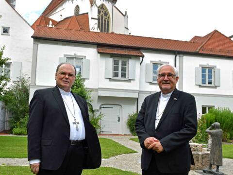 Bischof Dr. Gebhard Fürst zu Gast bei Bischof Bertram im Augsburger Bischofshaus. (Foto: Nicolas Schnall / pba)