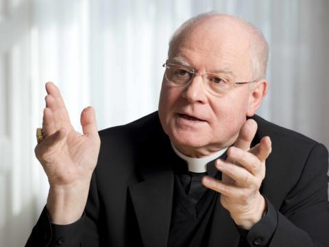 Bischof Konrad äußert sich zu kirchlichen und gesellschaftspolitischen Themen und erzählt von seinen Plänen für den Ruhestand. (Foto: Bernd Müller / pba)