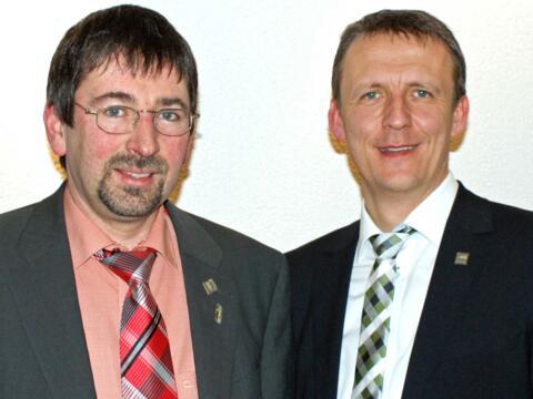 Der neugewählte Vorsitzende Klaus Probst (links) und sein Vorgänger Martin Salzmann aus Rankweil in Österreich. (Foto: Wendelin Kiser)