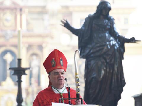 Bischof Bertram: Afra und Edith Stein waren Zeuginnen, die für Jesus und sein Evangelium brannten. (Foto: Karin Demartin/pba)