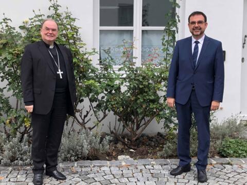 Bischof Bertram und Klaus Holetschek beim gemeinsamen Treffen gestern im Bischofshaus. (Foto: Bistum Augsburg)
