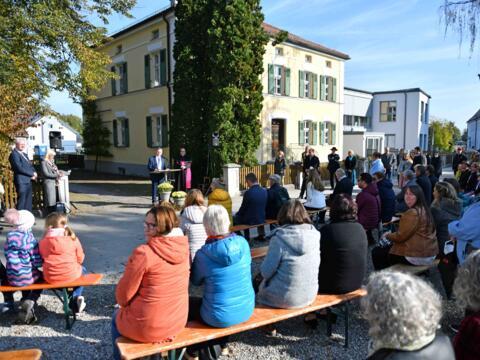 Die Einweihungsfeier für den Kindergartenneubau fand großen Zuspruch in der Wiedergeltinger Bevölkerung. (Fotos: Nicolas Schnall / pba)