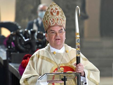Bischof Bertram während seinem Wort des Dankes (Foto: Nicolas Schnall/pba)