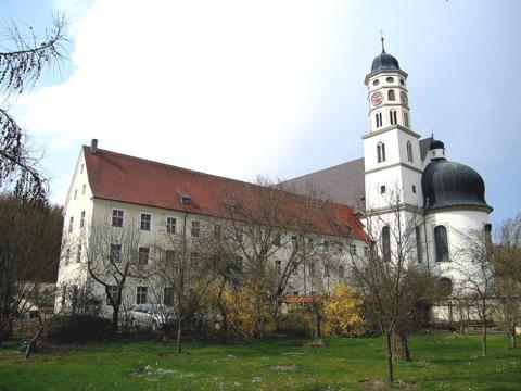Das Kloster Maihingen bietet Flüchtlingen schon bald ein Zuhause (Foto: Reinhold Gradl).