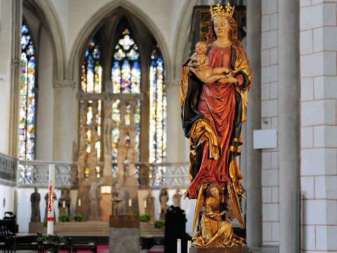 Marienfigur im Hohen Dom zu Augsburg. (Foto: Nicolas Schnall / pba)