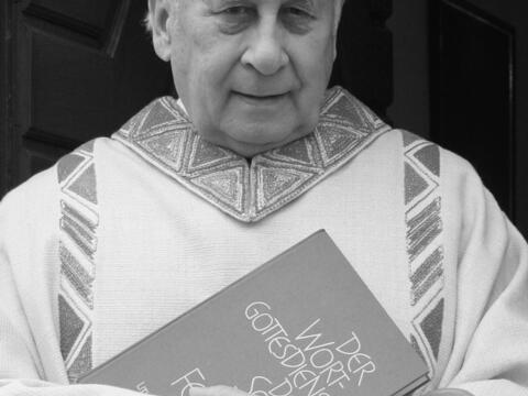 + Pfarrer BGR Karl Fritz. (Foto: privat)