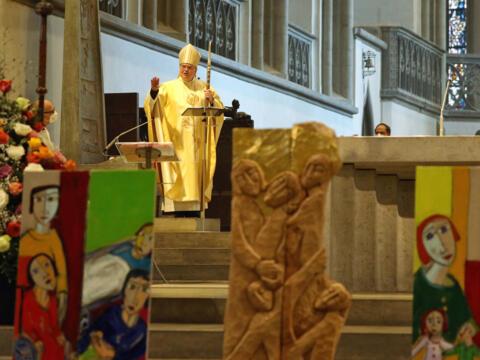 Bischof Bertram predigt beim Festgottesdienst zum 100-jährigen Jubiläum des Diözesan-Caritasverbands. (Foto: Annette Zoepf / Caritas Augsburg)