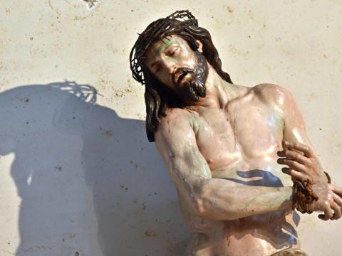 """""""Ecce homo"""" von Georg Petel, Sakramentsaltar im Augsburger Dom. (Foto: Nicolas Schnall / pba)"""